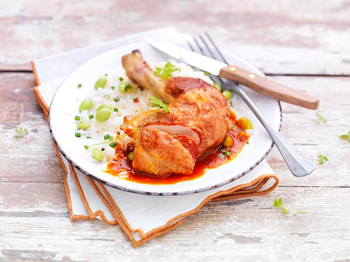 Cuisses de poulet farcies au chorizo à la sauce tomate