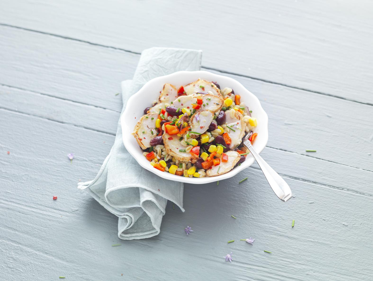 Salade de blé tex-mex aux émincés de poulet rôti