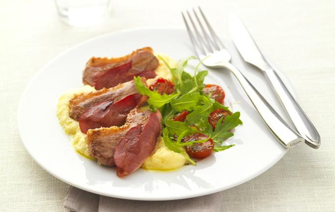 Filet de Canard Cuisson Express, polenta crémeuse et salade de tomates,  roquette