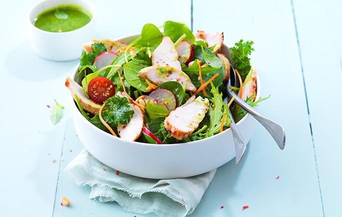 Salade de Filets de Poulet Rôti et sauce pesto