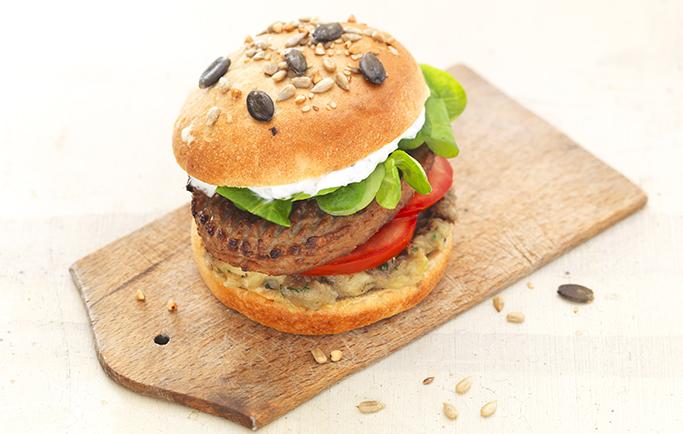 Burger de Steak de soja et caviar d'aubergine