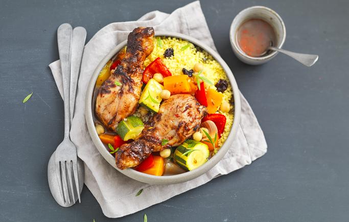 Couscous aux Pilons de poulet rôti et aux légumes